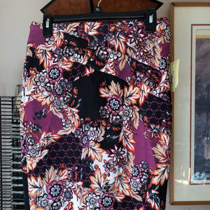 Ladies PAISLEY Straight cut skirt - size M NWT
